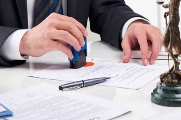 Hợp đồng cho thuê nhà đất có phải công chứng?