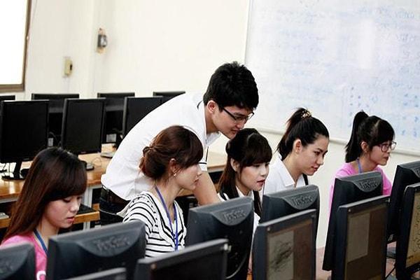 3 trường hợp được miễn thi ngoại ngữ khi thi tuyển công chức, viên chức