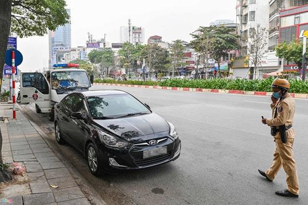 CSGT được cẩu kéo ô tô vi phạm khi vắng chủ phương tiện không?